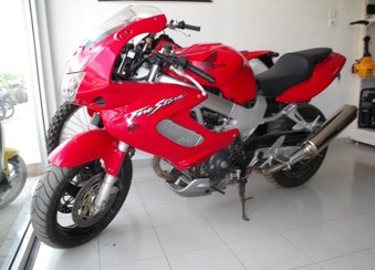 Honda VTR 1000 ...