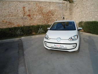 VOLKSWAGEN UP! WHITE ...